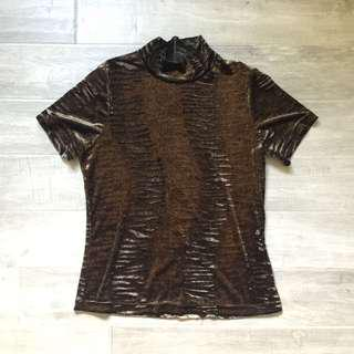 Velvet turtleneck t-shirt patterned