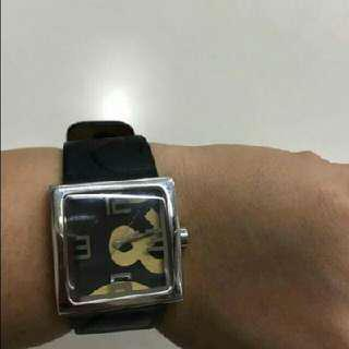repriced today...auth d&g watch for her😍