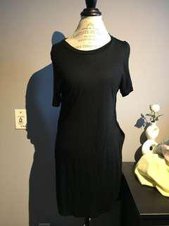 Seven sisters black long tee with side slits