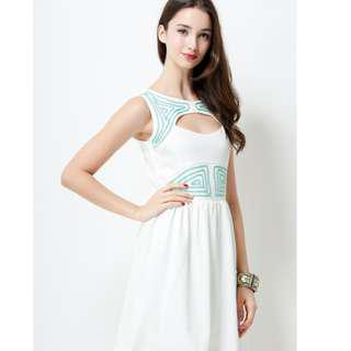 Brand New - TBI Louise Embroidery Dress in White (Size M)