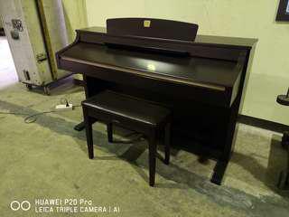 Yamaha digital piano CLP330