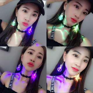 #under9 Lighted Up Light Bulb Earrings