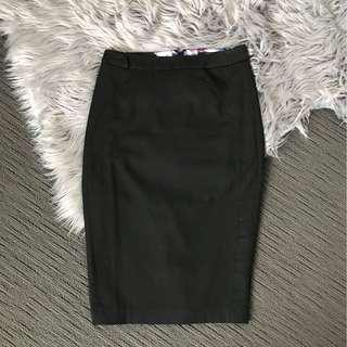 Portmans Black High-Waisted Work Skirt size 6