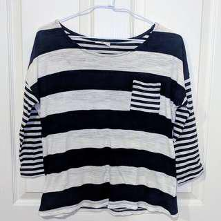 Thin Half-Sleeve Striped Top