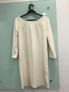 Creme/Beige dress