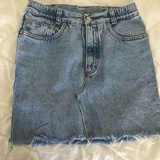 Vintage mid denim skirt size 6