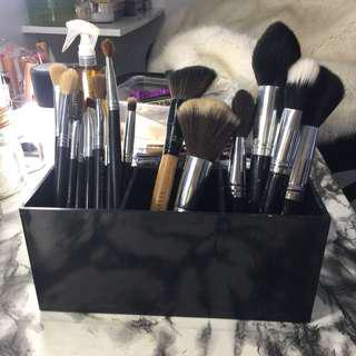 Black Acrylic Brush Holder Makeup Organizer