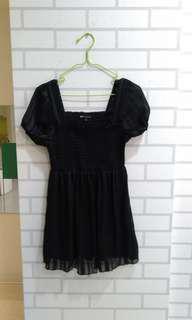 🚚 NET黑色質料好上衣超顯瘦 換物不賣