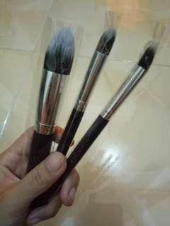 Set brush