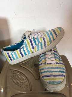 Sepatu city sneakers