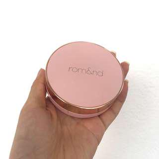 Romand Innerlighting Cushion Shade: Pure #21