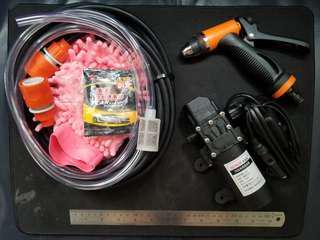 洗車神器。全新。方便。輕巧。只須另外準備一桶水即可洗車。