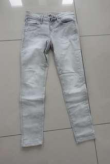 🚚 UNIQLO優衣褲特級彈性牛仔褲 緊身顯瘦(24號)