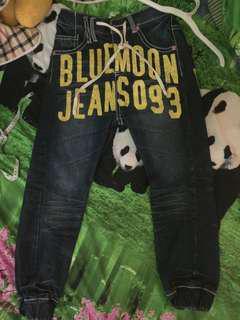 Celana jeans size 31