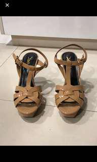 🚚 Beautiful YSL high heels