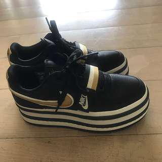 NIKE VANDAL 2K BLACK METALLIC GOLD ( HK NO STOCK )