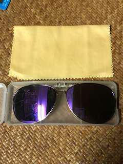 夾片式紫色太陽眼鏡