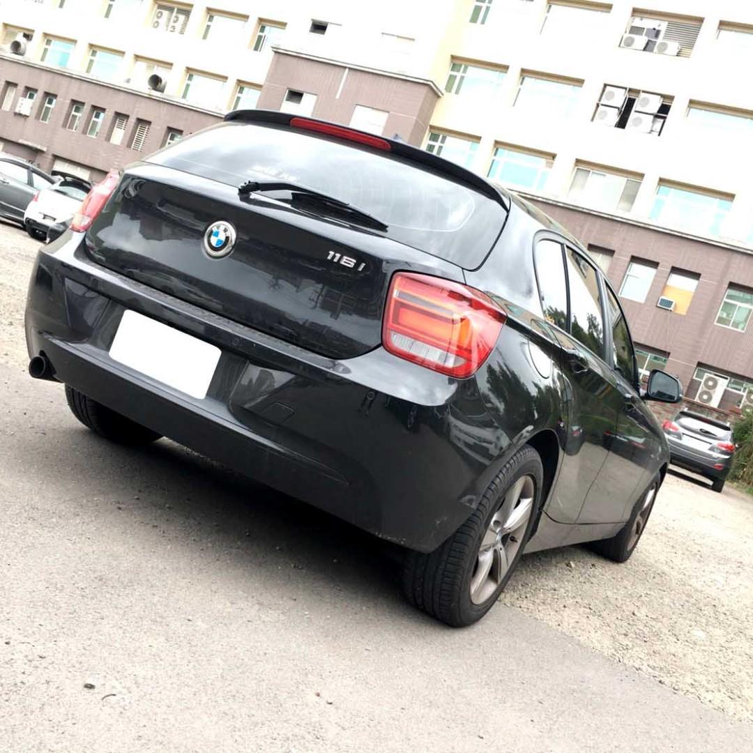 2014年BMW 116I 黑內裝