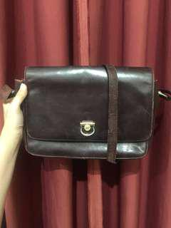 Braun Buffel slingbag Authentic