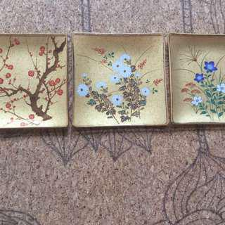 New from Japan Exquisite set of Glass printed plates