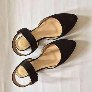 Black Velvet Pointed Flats (Size 7)