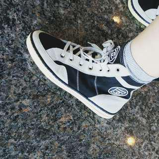 Chanel vintage sneakers