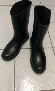 🚚 造型時髦的雨鞋