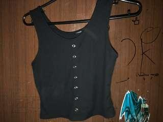 Crop top black sleeveless button vintage