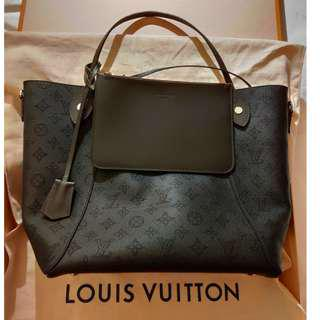🚚 ㊣㊣Louis Vuitton HINA 二合一小牛皮手袋(現貨在台)㊣㊣
