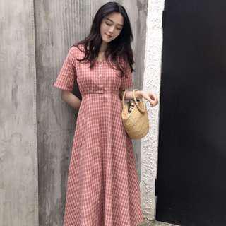 Checkered retro v neck dress