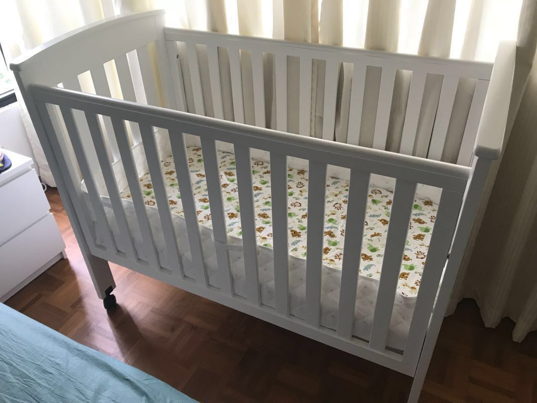 176da6e3e265 Baby cot with mattress (Milano 4 in 1)