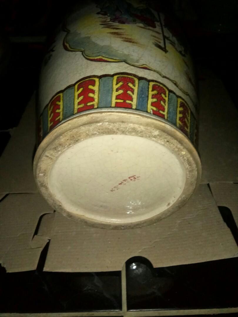 Guci keramik china lawas