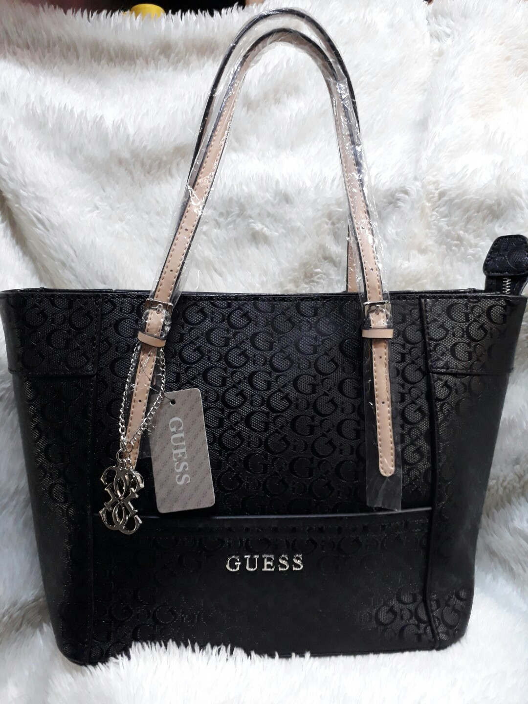 Guess tote bags preloved womens fashion bags wallets on carousell jpg  1080x1440 Guess tote a43b25d011524