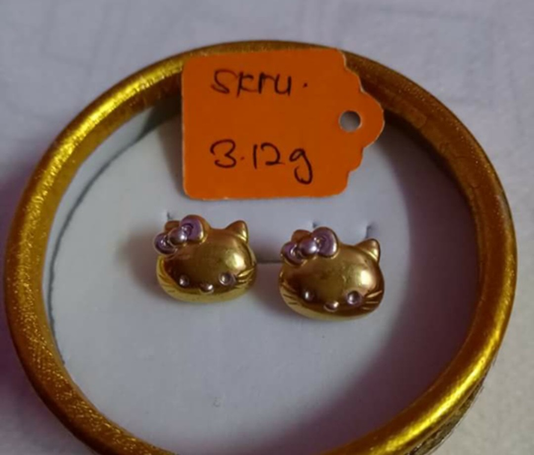 0650b97de Hello kitty earrings gold emas 916, Women's Fashion, Jewellery on Carousell