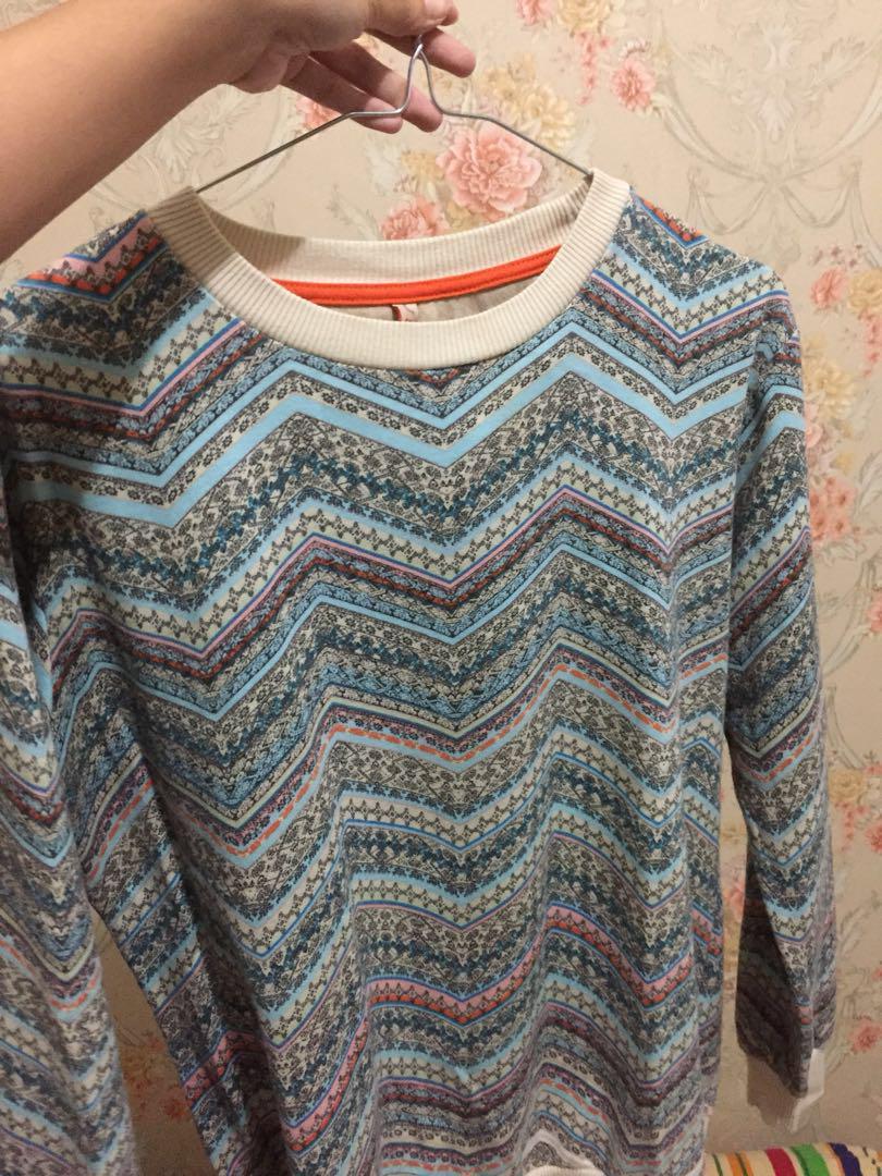 Sweater heath motif aztec