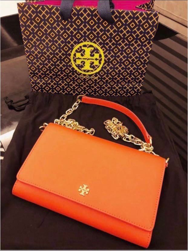beab049e28a7 Tory Burch Emerson Robinson Wallet on a Chain Black Saffiano Leather ...