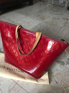 Louis Vuitton Bellevue Vernis