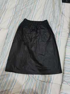 Faux leather look skirt