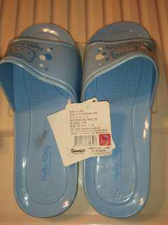 🚚 降價~正版三麗鷗浴室拖鞋