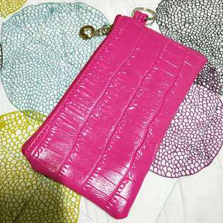 🚚 Pink clutches