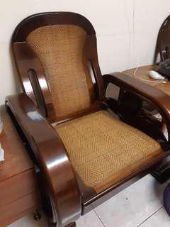 搬家出清  傢俱  桌子 原本椅 床頭櫃 檯燈