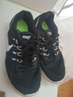 Nike shoes size:245cm (us 7)