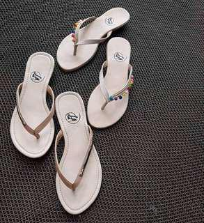 Slippers flat size 7