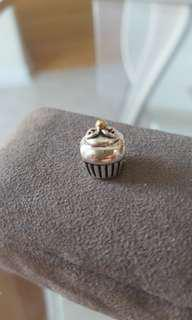 Cupcake charm