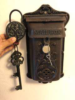 Decorative mail box and lock set in cast iron  BUNDLE DEAL
