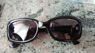 EMporio Armani女裝太陽眼鏡