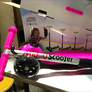 Foldable scooter with delivery