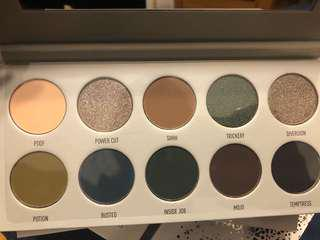 Morphe X Jaclyn dark magic palette