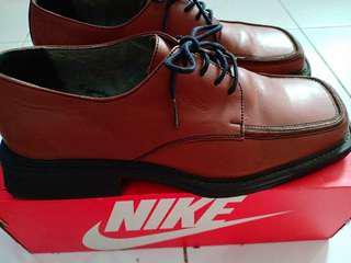 Sepatu kerja filanto