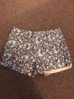Floral Shorts | Size XS